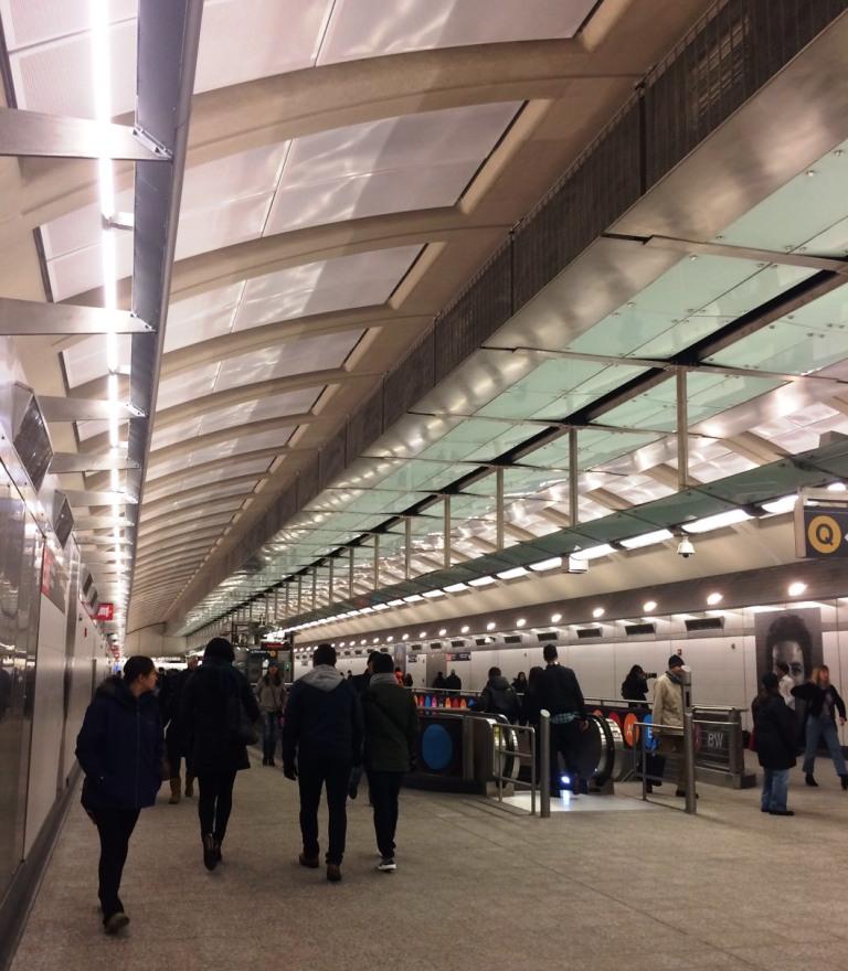 181丁目駅 (IND8番街線) - 181st...